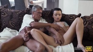 Daddy4k. Taboo Hump Of Senior Fellow And Sugary-sweet Black-haired Concludes With Jism In Facehole