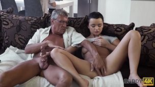 Daddy4k. Fellow With Headphones Doesnt Listen How His Honey Has Sizzling Romp
